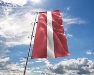 Lettland / Lettische / Latvia Fahne, Hissflagge in vielen Größen und Befestigungen (Premiumqualität)