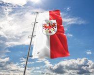 Tirol Fahne mit Wappen in vielen Größen und Befestigungen (Premiumqualität)